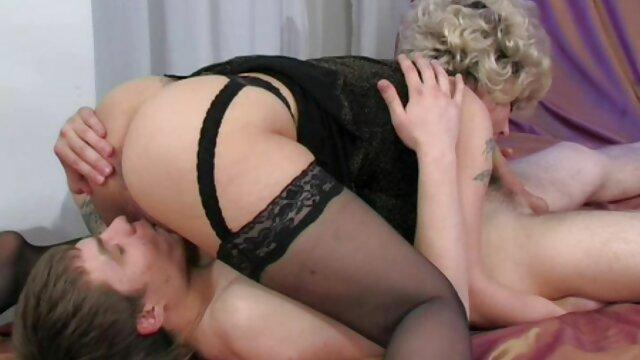 Mère apprend à sa fille à avoir des relations sexuelles avec un films adultes français homme.