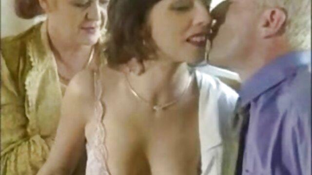 Modèle porno sexe xxx adulte avec un homme passionnant