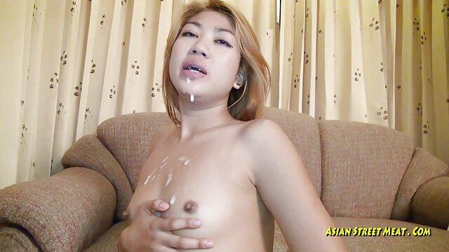 Une femme adulte avec un charme xxx film adulte Poilu.