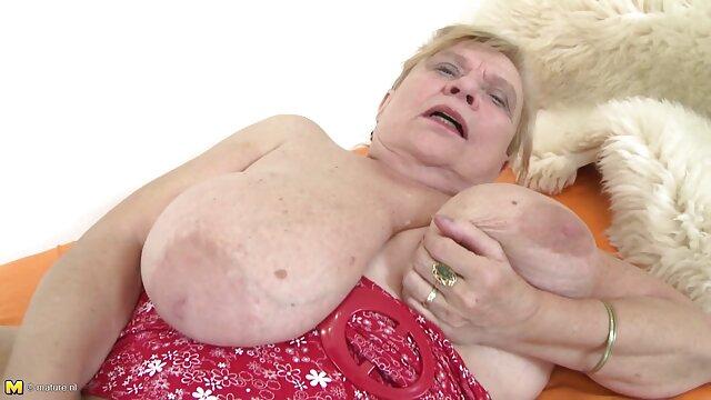 J'embrasse ma femme adulte movie et la laisse baiser un nègre.