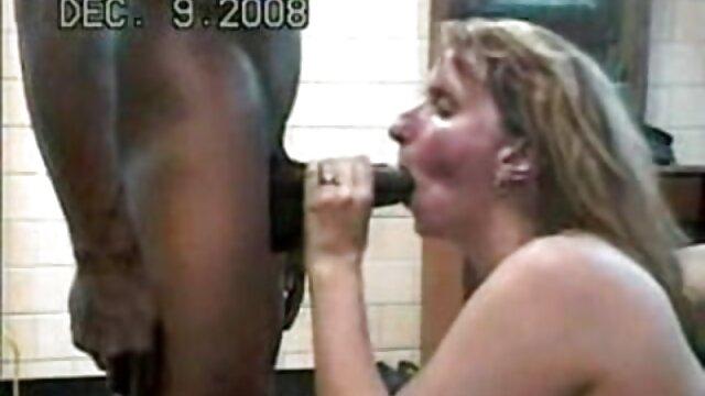 Réduire l'humiliation des adultes porno modèles, baisée site pour film adulte dans un bain sale.