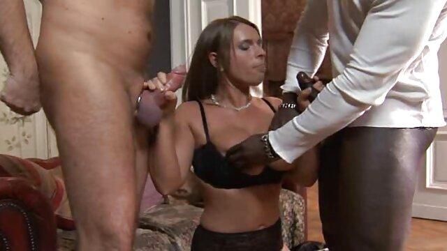 Une blonde adulte aime une demande video x adulte en mariage, Sexe un homme.