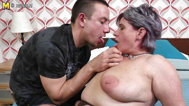 Deluxe adulte lesbiennes pratique film adulte sexe dépravée sexe de groupe.